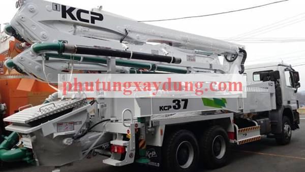Bán xe bơm bê tông Hàn Quốc KCP cần dài 37m-1