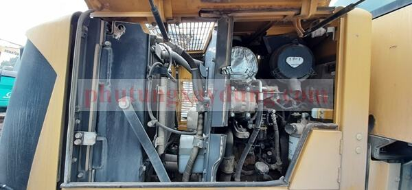 Bán máy xúc lật Komatsu WR12-6, đời 2013-4